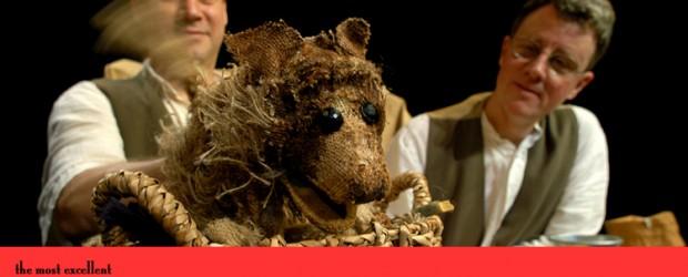 En juin 2011, les marionnettistes de la compagnie Puppet State Theatre d'Edimbourg m'ont demandé d'adapter un de leurs spectacles de marionnettes en français, à partir de leur version anglaise. Ils […]